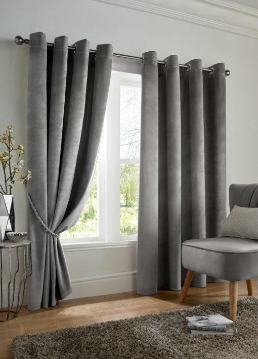 velvet_curtains